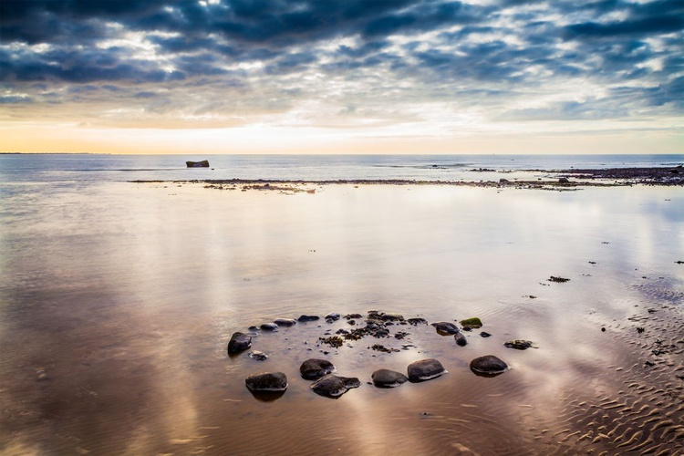 Circle on the Shore - Image 0