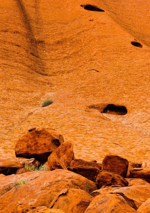 Uluru Detail I (84x119cm) - Image 0