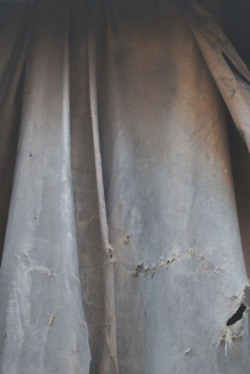 Cover Me - 1/25 - 18x12in Aluminium Mounted - Image 0