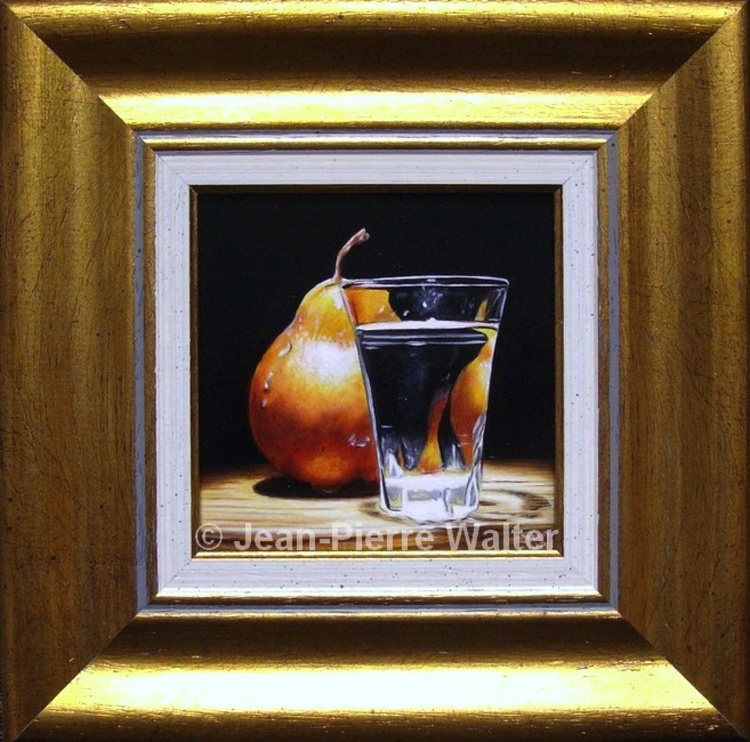Red pear with shot glass - Image 0