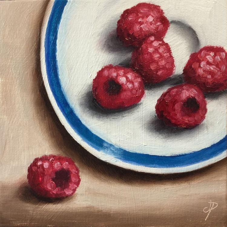 Raspberries on a plate - Image 0