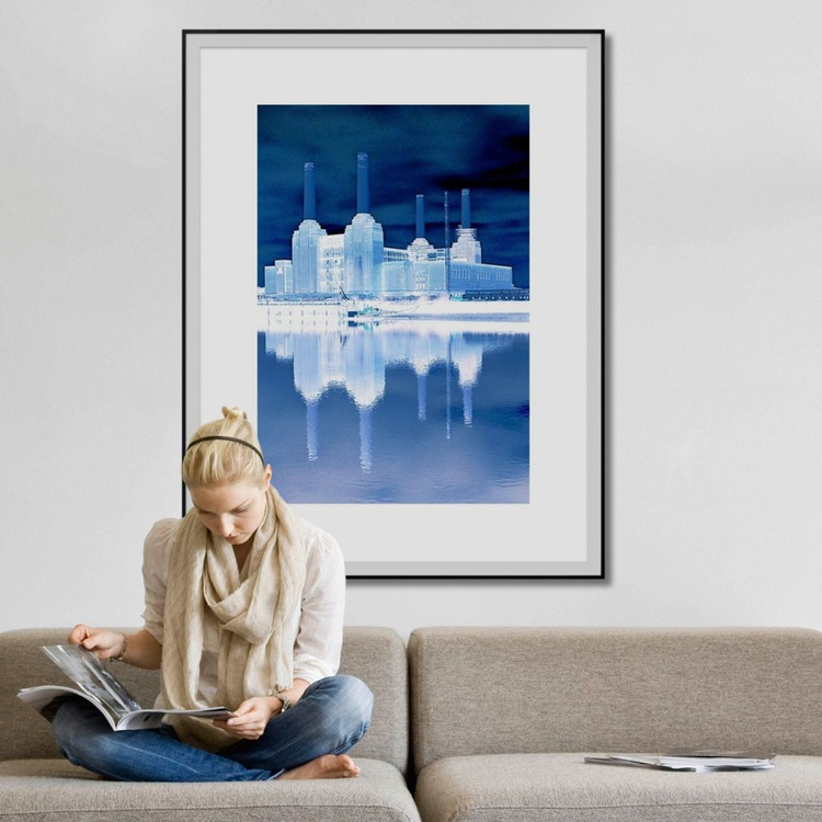 BATTERSEA BLUE Limited edition  1/25 30in x 40in - Image 0