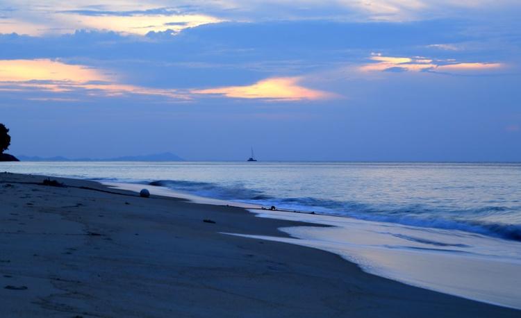 Boat on the Horizon 2 - Image 0