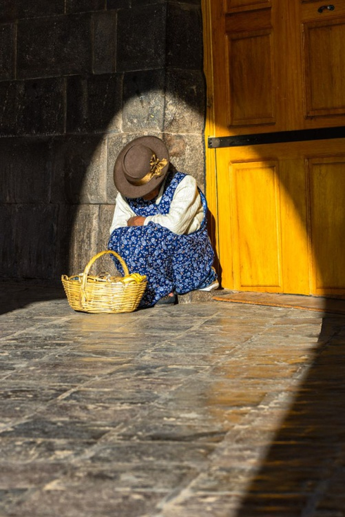 Cusco Street Seller (Peru)  - Limited Edition Print - Image 0