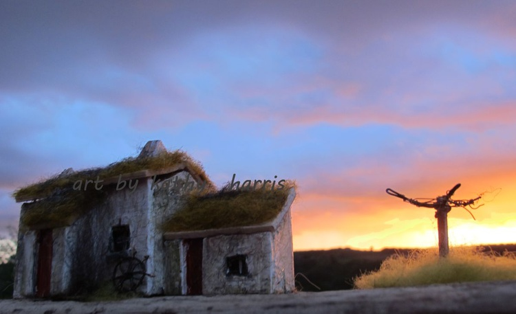 Sculpture art photo of derelict house with clothes line (sun down) - Image 0
