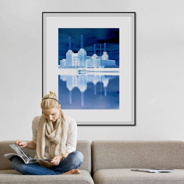 BATTERSEA BLUE Limited edition  3/25  30in x 45in - Image 0