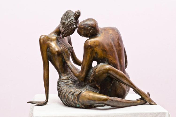 .Love2002 .year.bronze.38X55X48 sm - Image 0