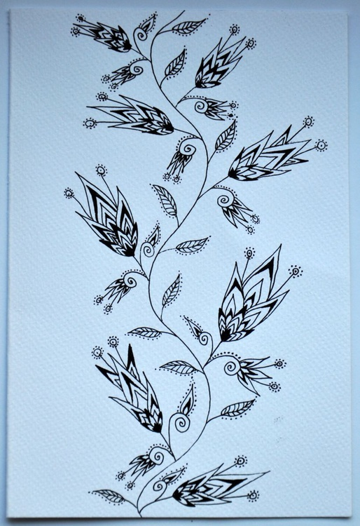 Fairy tale flower pattern in black and white - Image 0