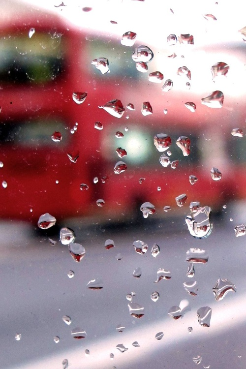 "BUS STOP RAINDROPS ( LIMITED EDITION 1/200) 12""x8"" - Image 0"