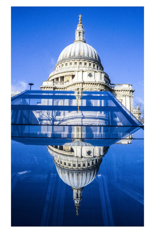 "St Paul's :Thames ident  ( LIMITED EDITION 1/50) 12""x8""with a white boarder - Image 0"