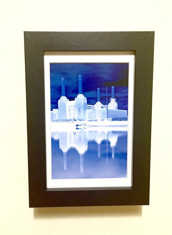 BATTERSEA BLUE MINI ART 6/200 - Image 0