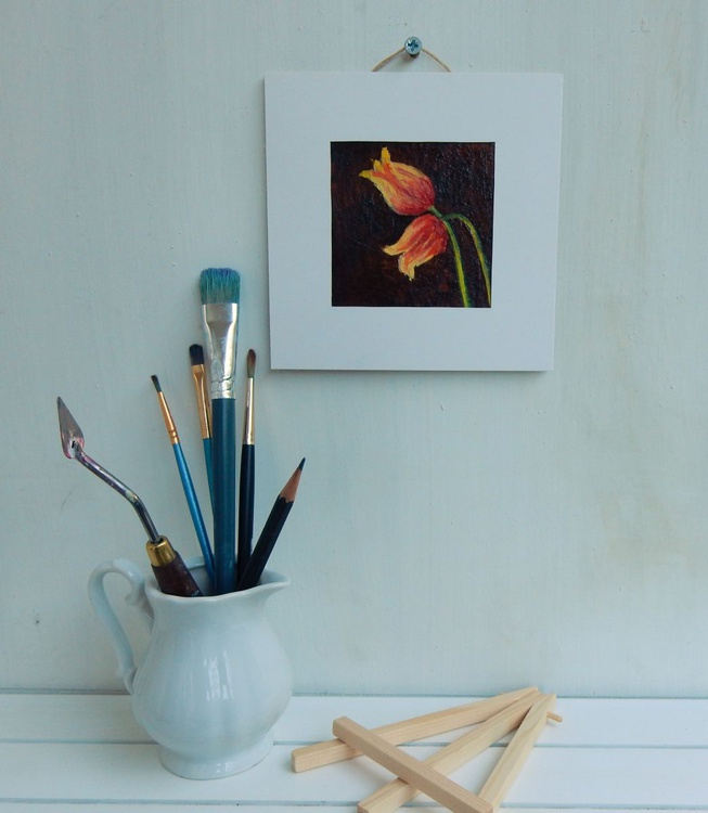 Tulips on brown. Miniature. Easel is included. Gift painting. Ready to hang. - Image 0