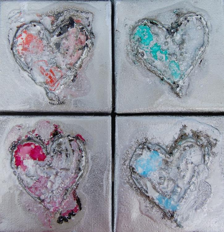 Mini Hearts 4 - Image 0