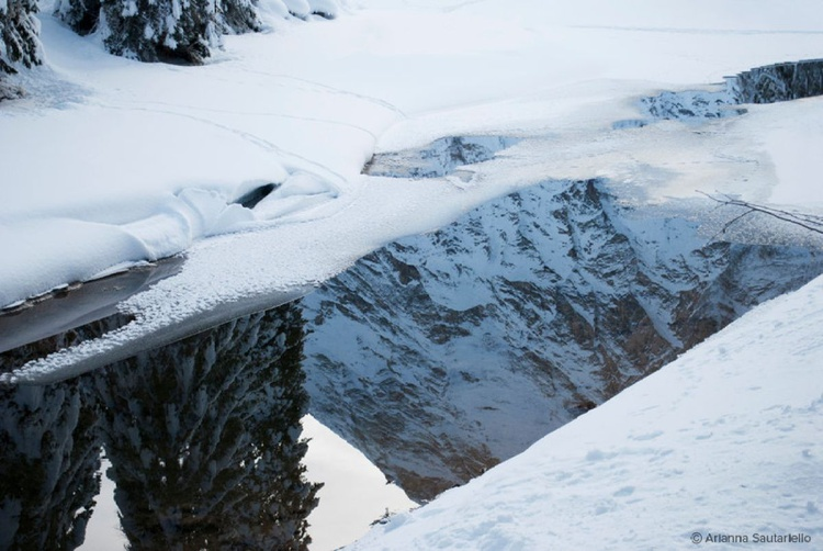 Reflection of Mountain - Image 0