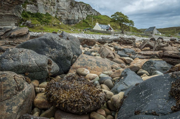 Elgol and the shingle beach - Image 0