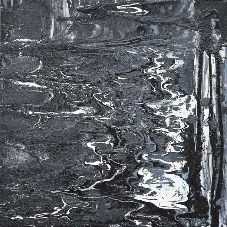 Black Ripples -