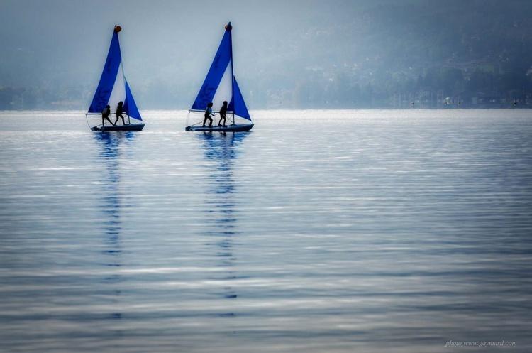 Sailing on the lake - Image 0