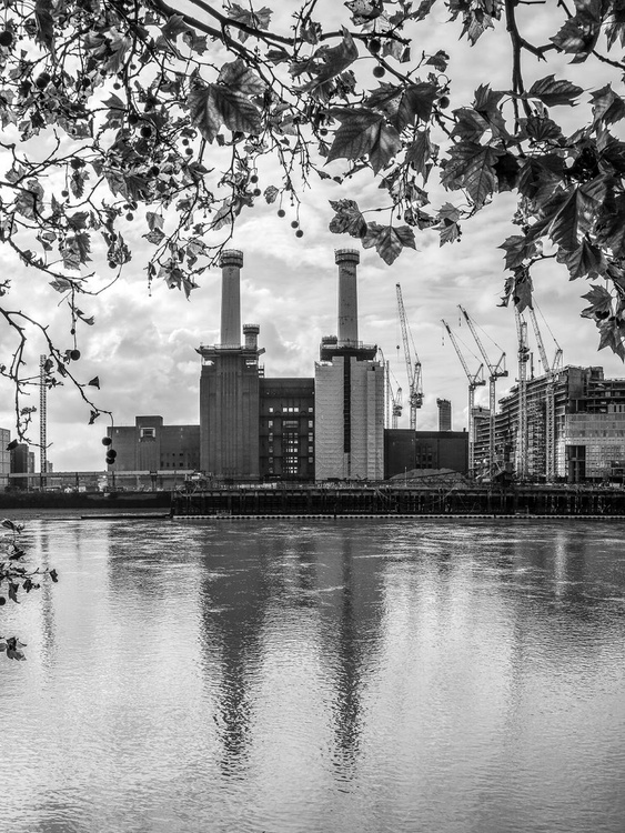 "BATTERSEA POWER STATION 2015 B&W NO2   Limited edition  1/150 8""X12"" - Image 0"