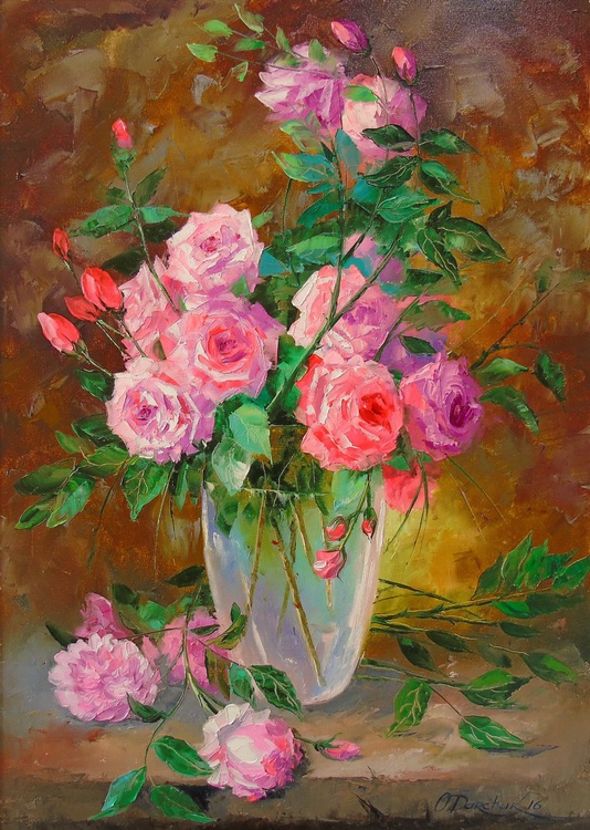 A bouquet of roses in vase - Image 0