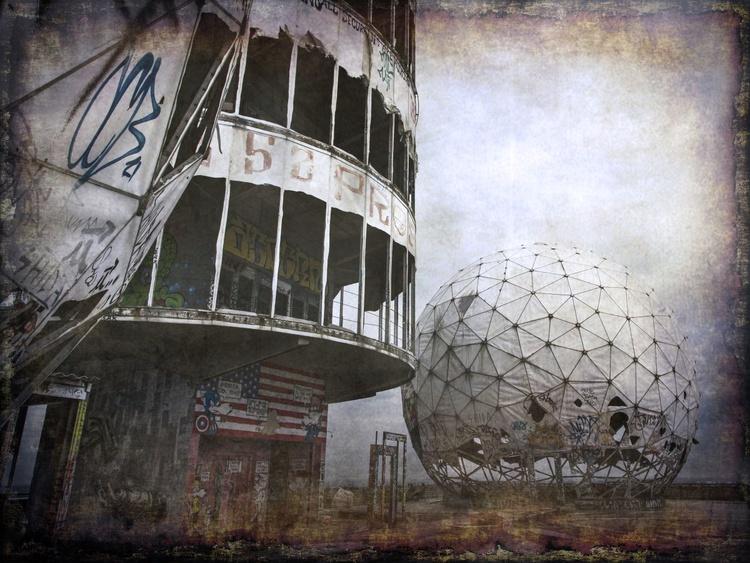 Spying Balls - Image 0