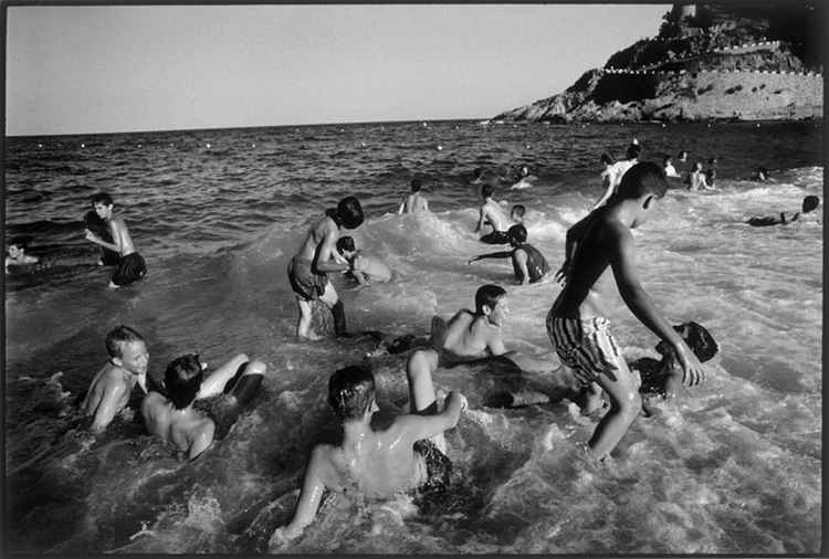 Boys in the Sea : Spain -