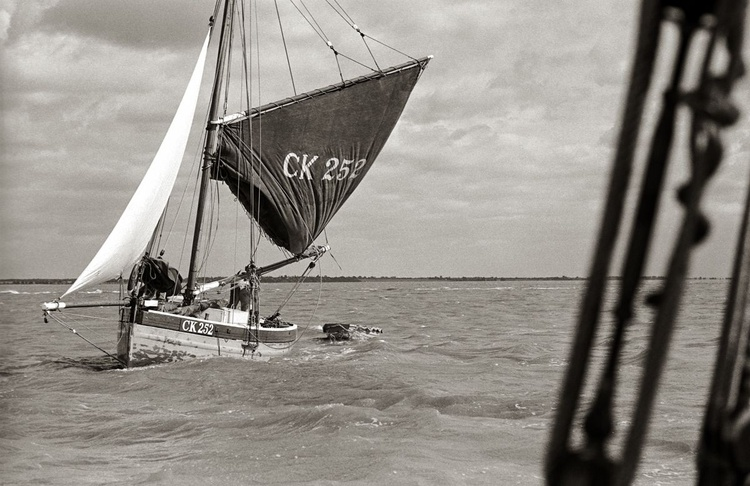 Mary under sail - Image 0