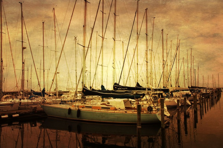 Boats in Harbour - Image 0