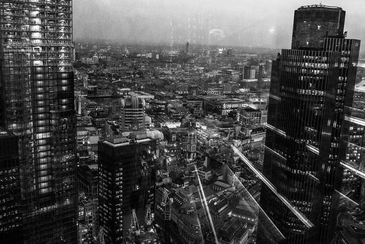 London sky view - Image 0