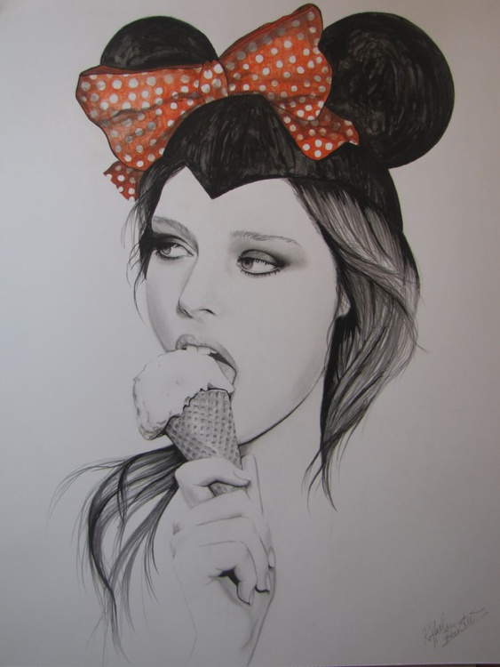 """Minnie Mouse Eats Ice Cream"" - Image 0"