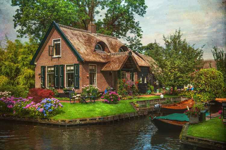Fairytale House. Giethoorn (Ltd Edition of only 20 Fine Art Giclee prints from an original photograph)