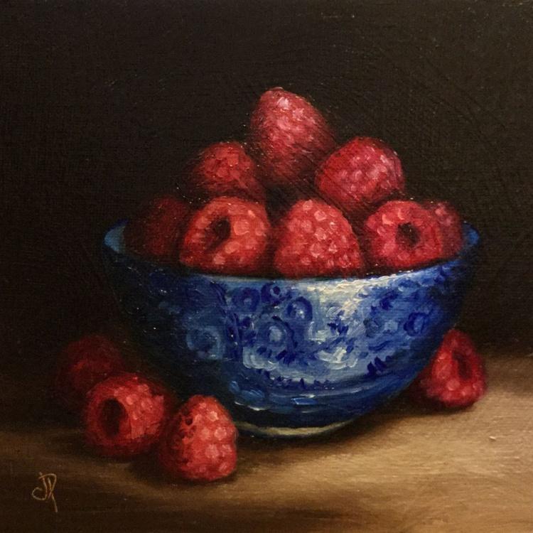 Raspberries in blue bowl - Image 0