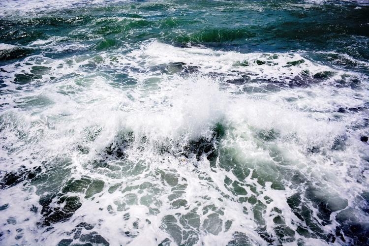 White Splash - Image 0