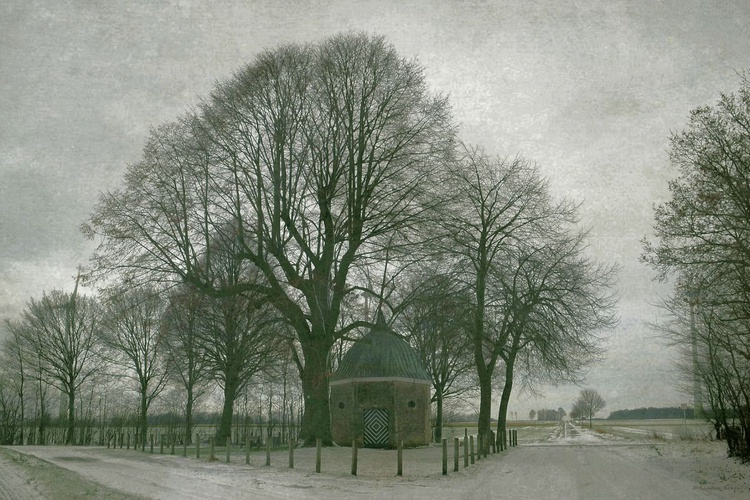 Chapel in the Snow - Canvas 75 x 50 cm - Image 0