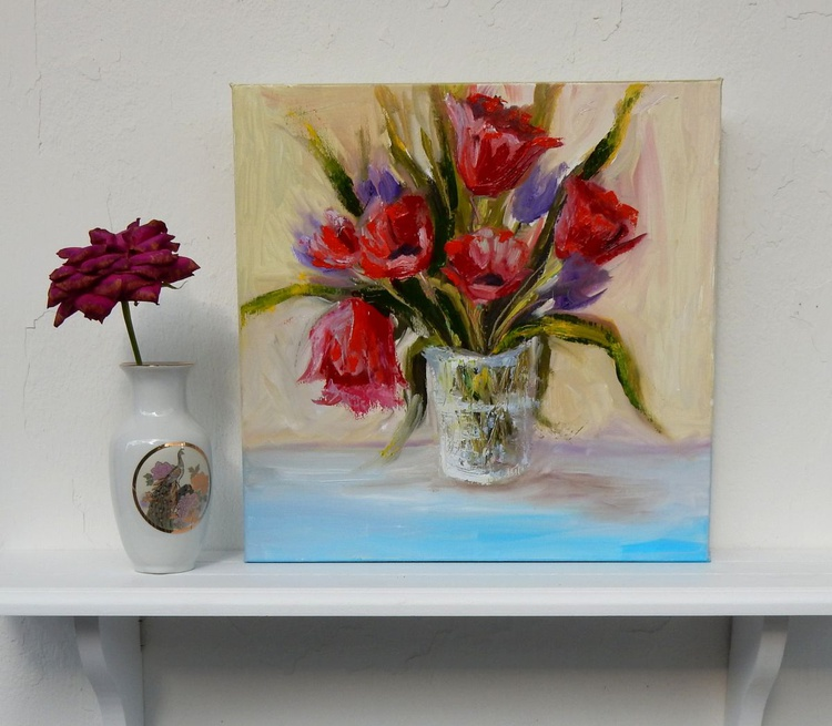 Red flowers in a vase. Decorative oil painting. 30х30cm. - Image 0