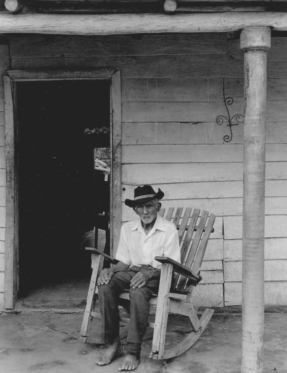 Man in Rocking Chair Cuba - Image 0