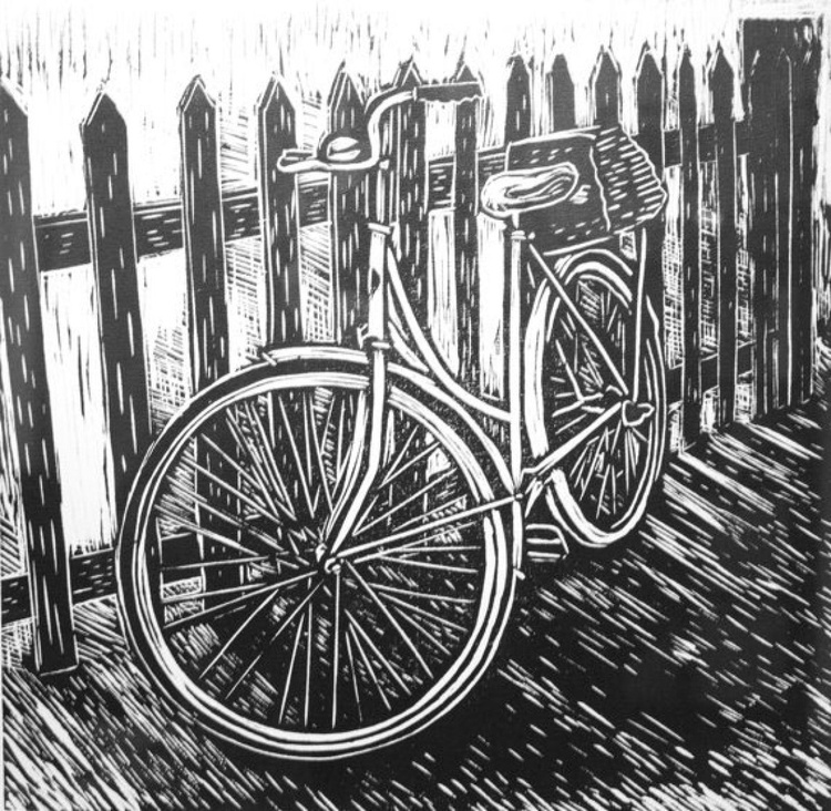 Bike against fence - Image 0
