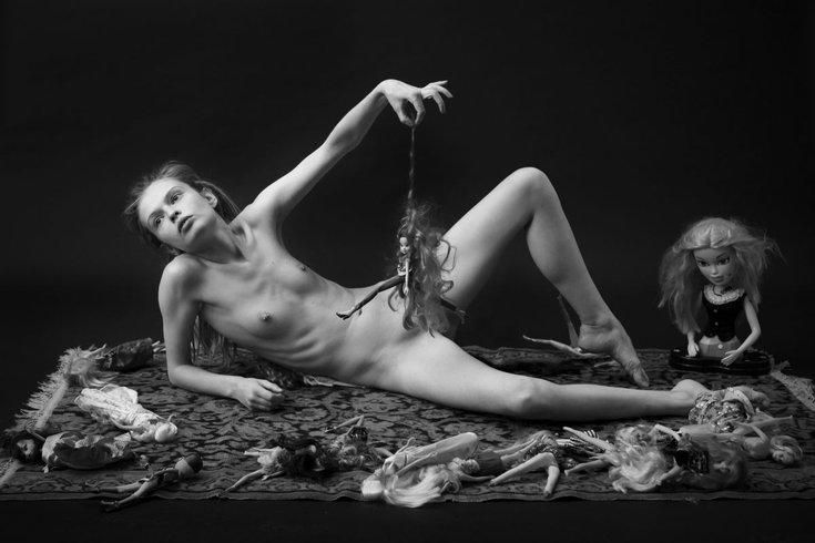 Zan Zibovsky, akt