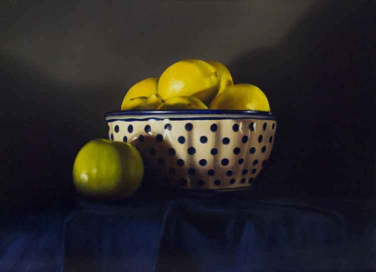 lemons in a ceramic bowl -
