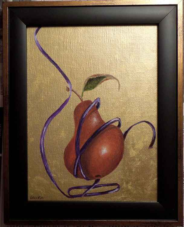 Pear w/Ribbon -