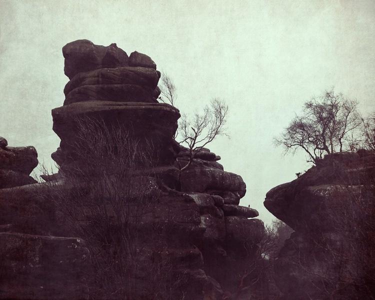 Through the rocks - Image 0