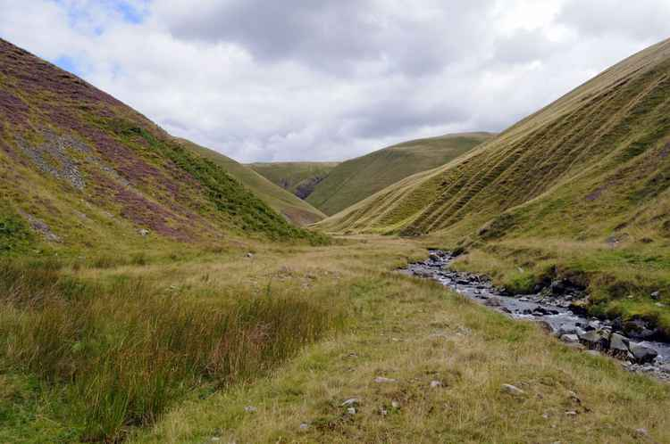 Into The Valley, Howgill Fells (18x12in Aluminium Mounted)