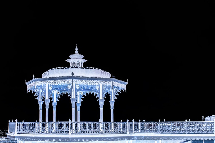 Brighton Bandstand  (Inverted) Limited edition  2/50 12X8 - Image 0