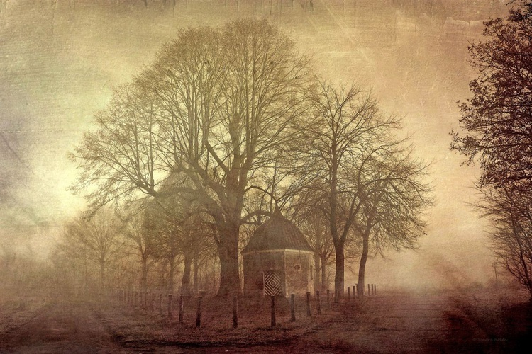 Chapel in the Fog - Canvas 75 x 50 cm - Image 0
