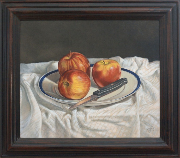 Still life with apples on a plate - Image 0