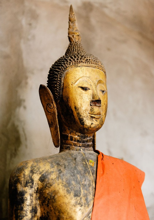 Wat Xieng Thong, Luang Prabang. (84x119cm) - Image 0