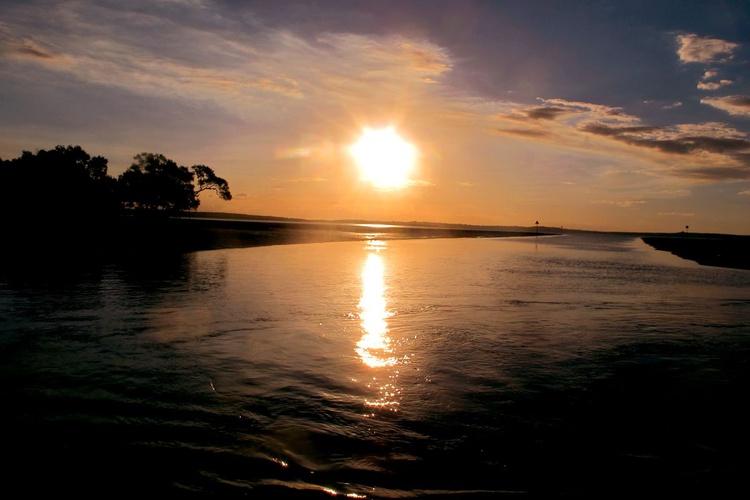"SUNSET FRASER ISLAND NO:2 (Limited edition  1/50) 18"" X12"" - Image 0"