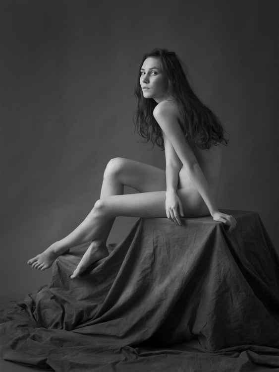 nude etude, A.. -