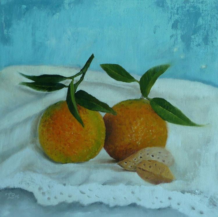 Two mandarins, two almonds - Image 0