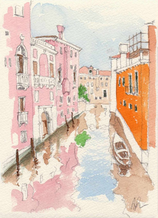 A canal in Venice - Image 0