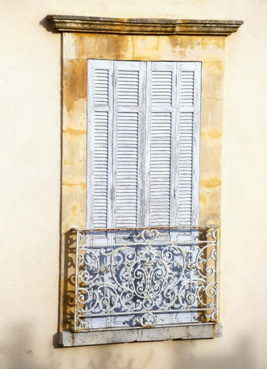 Shutters in Provence - Image 0
